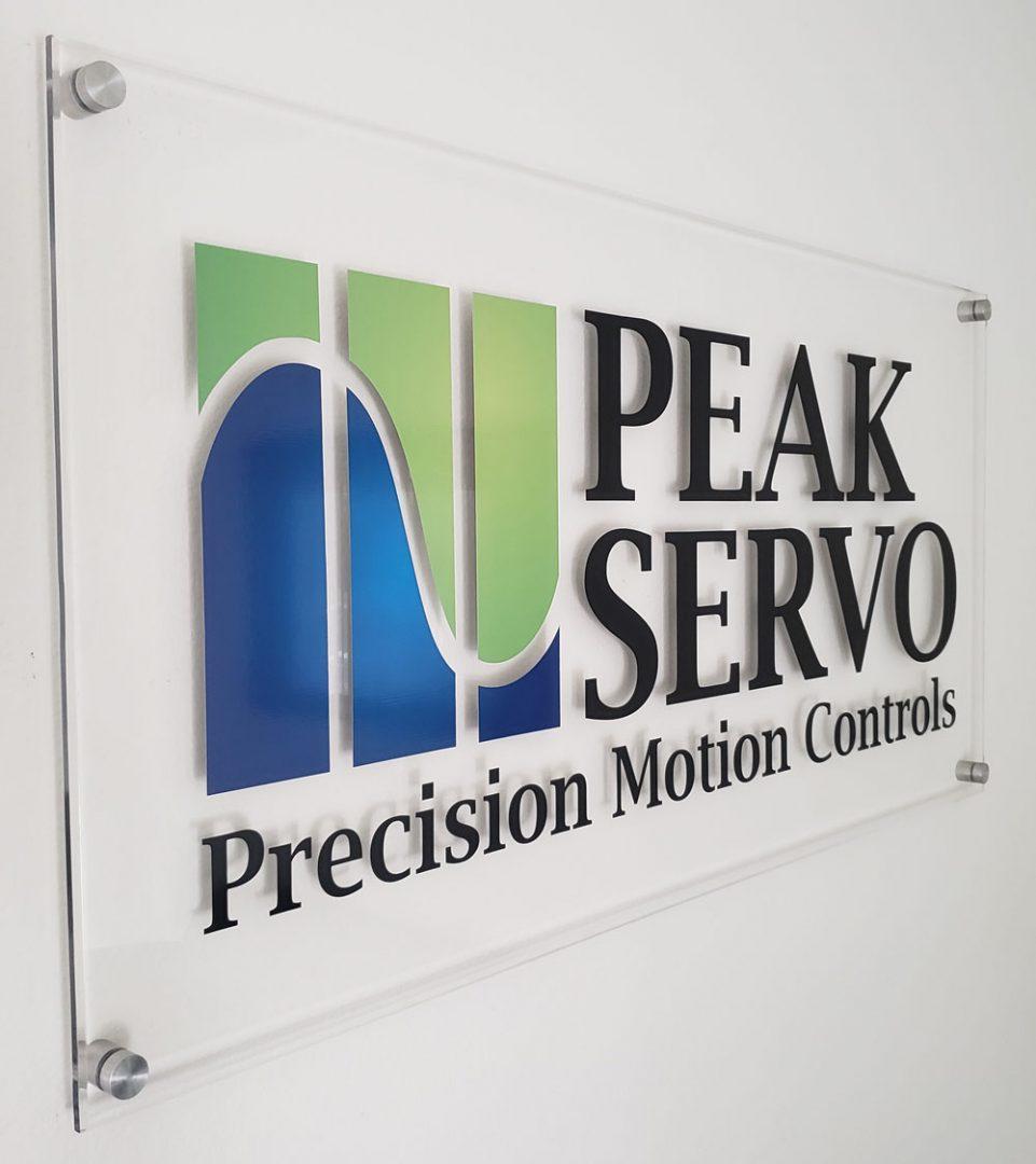 Peak servo Sign